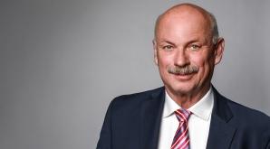 "Nicht mehr ""on the road"": Hans Joachim Feyerherd tritt kürzer"