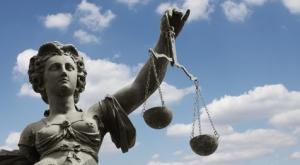 Vertrieb, Geldwäsche, Datenschutz: Neue maxpool-Webinare mit Rechtsanwalt Norman Wirth
