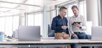 Alles aus einer Hand: NÜRNBERGER bietet passenden Schutz für IT-Fachkräfte.