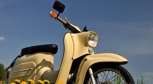 Ab 1. März: Gut beschildert in die Moped-Saison – mit maxpool und Comovo!